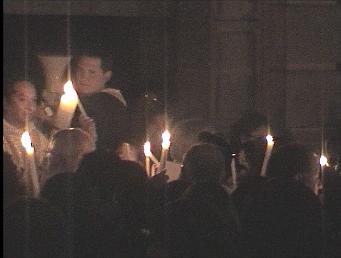 Cusco Reisebericht: Kerzen am Osterfeuer