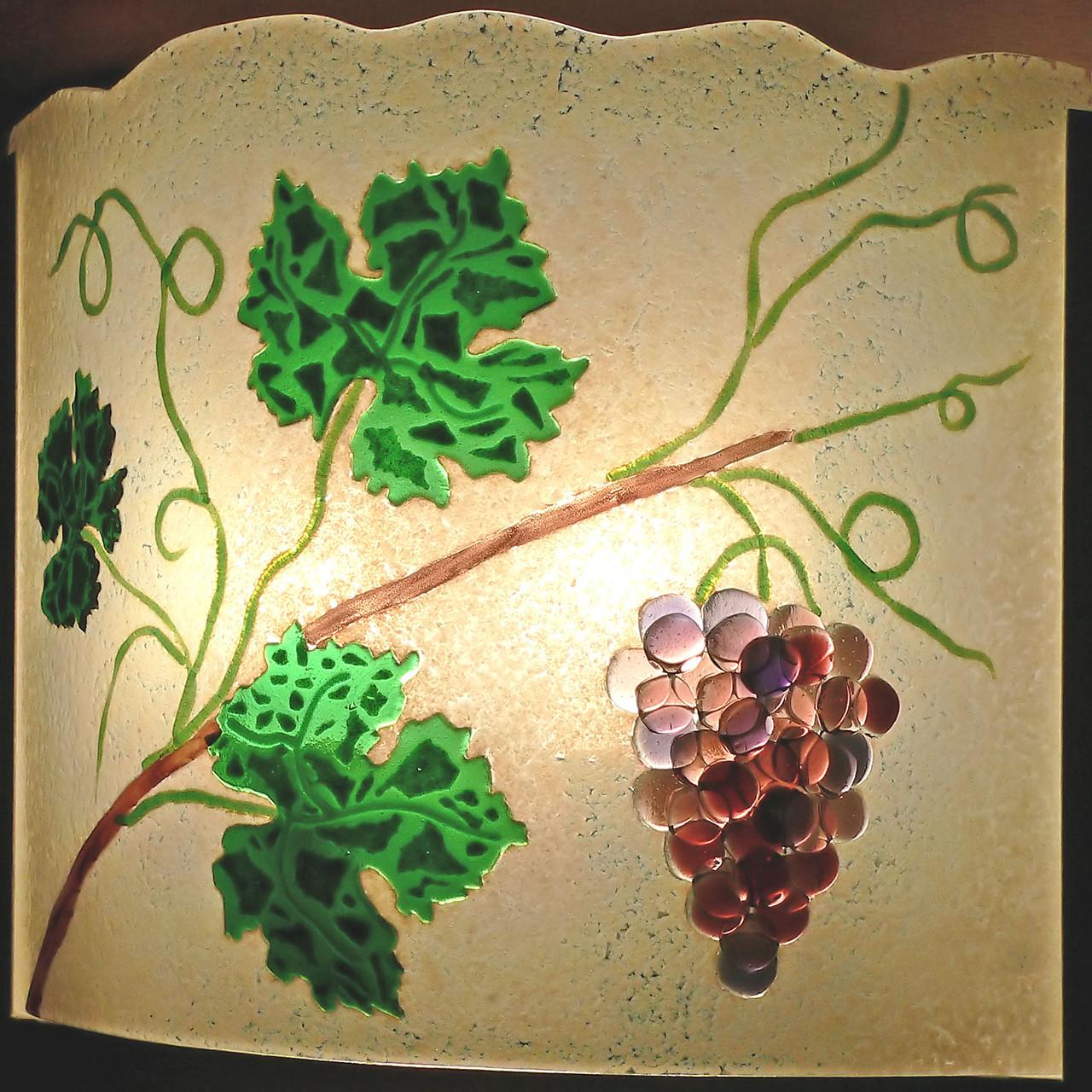Lampenschirm für Wandlampe im Weinkeller
