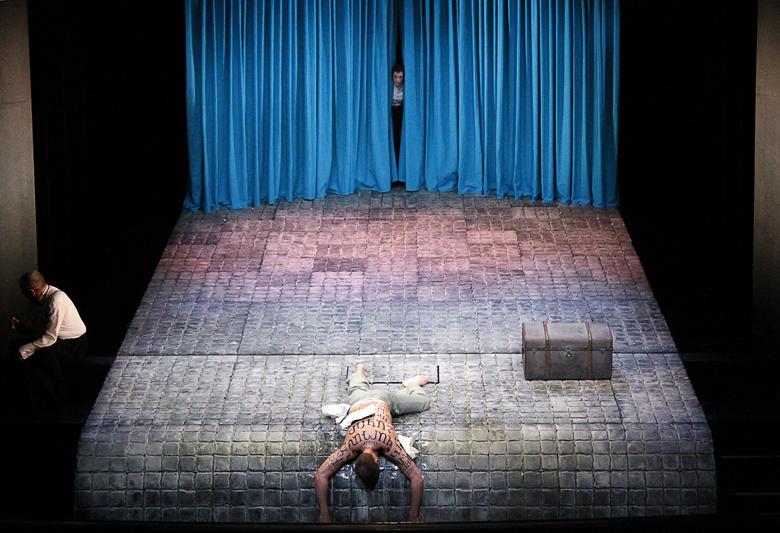2014 Bühne & Kostüm. 'Die Märchen vom letzten Gedanken' Regie: Mario Portmann Bühne & Kostüm: Teresa Katharina| Stadttheater KONSTANZ