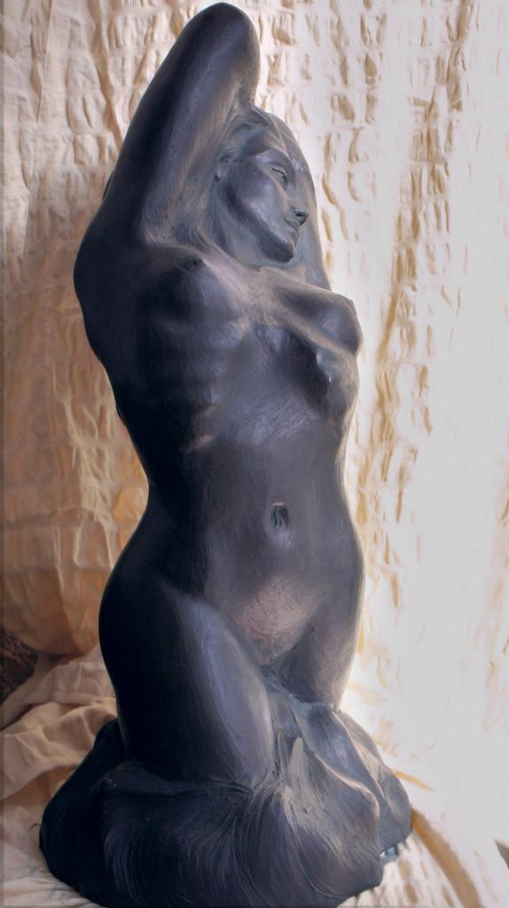 Studio anatomico di donna. Terracotta patinata 25x40x70