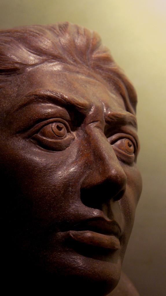 """Particolare di:studio di """"SCHIAVO RIBELLE """" In memory of Michelangelo. Terracotta patinata """"45x35x70"""""""
