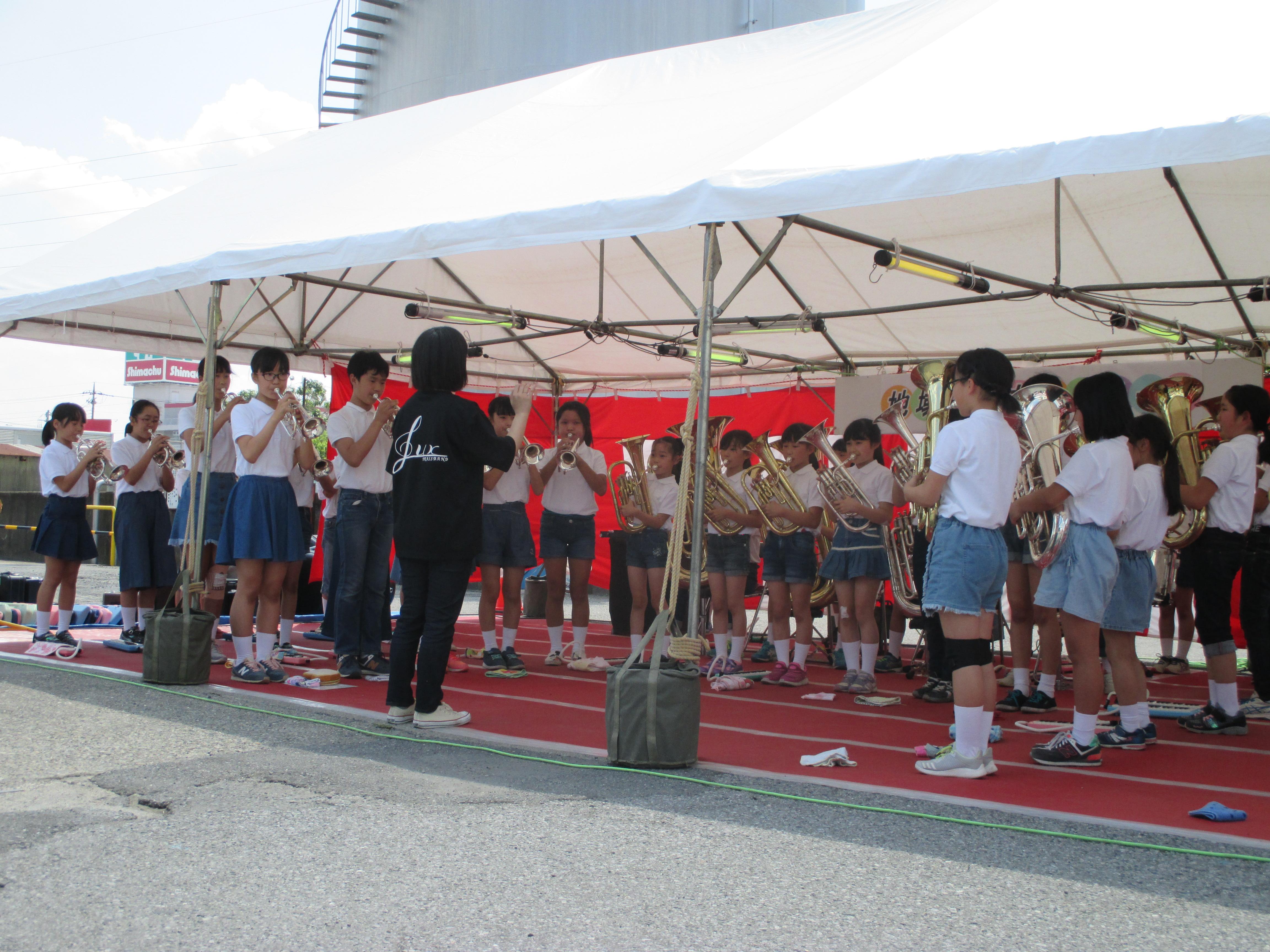 三橋小学校 ルクスブラスバンドの演奏です