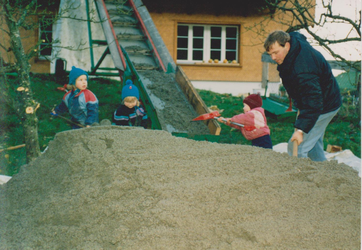 Alle Helfen mit beim Umbau 1994