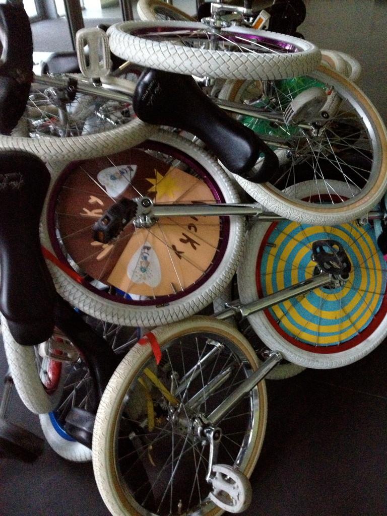 ...und nochmal Kunst mit Einrädern