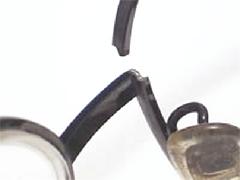 メガネフレームのリム切れ画像