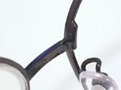 メガネフレームのリム切れ修理画像