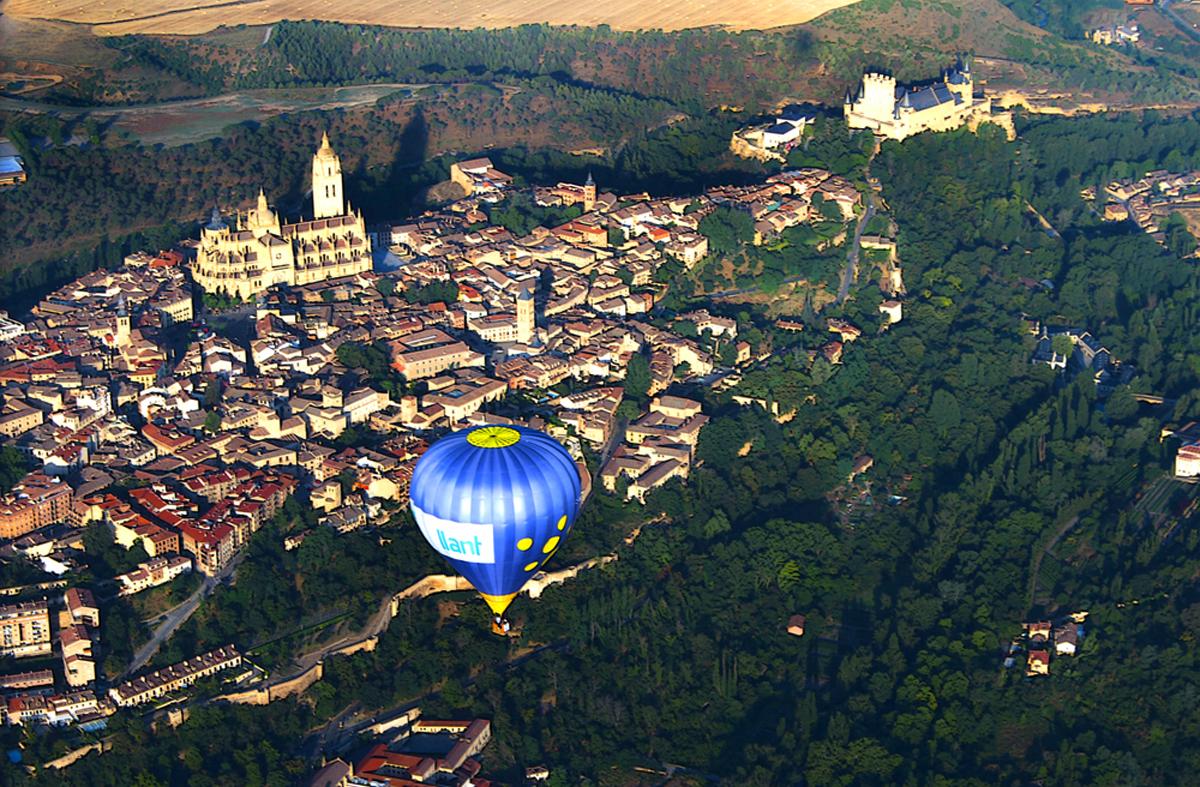 Sobrevolando Segovia en globo aerostático