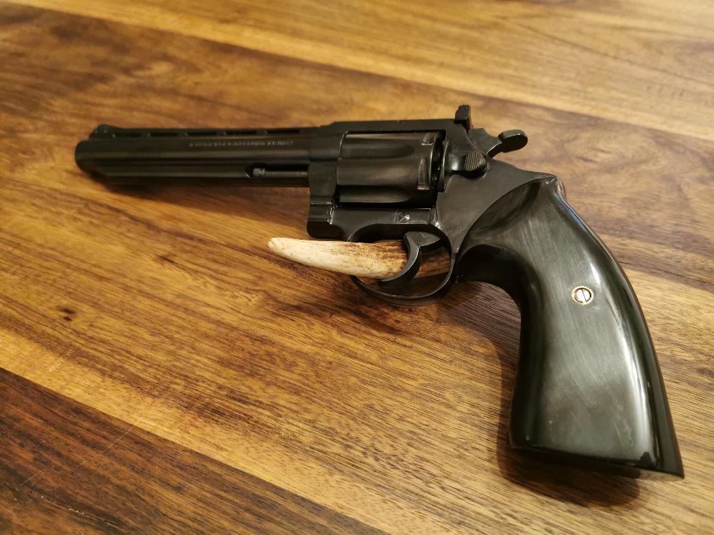Uberti Revolver