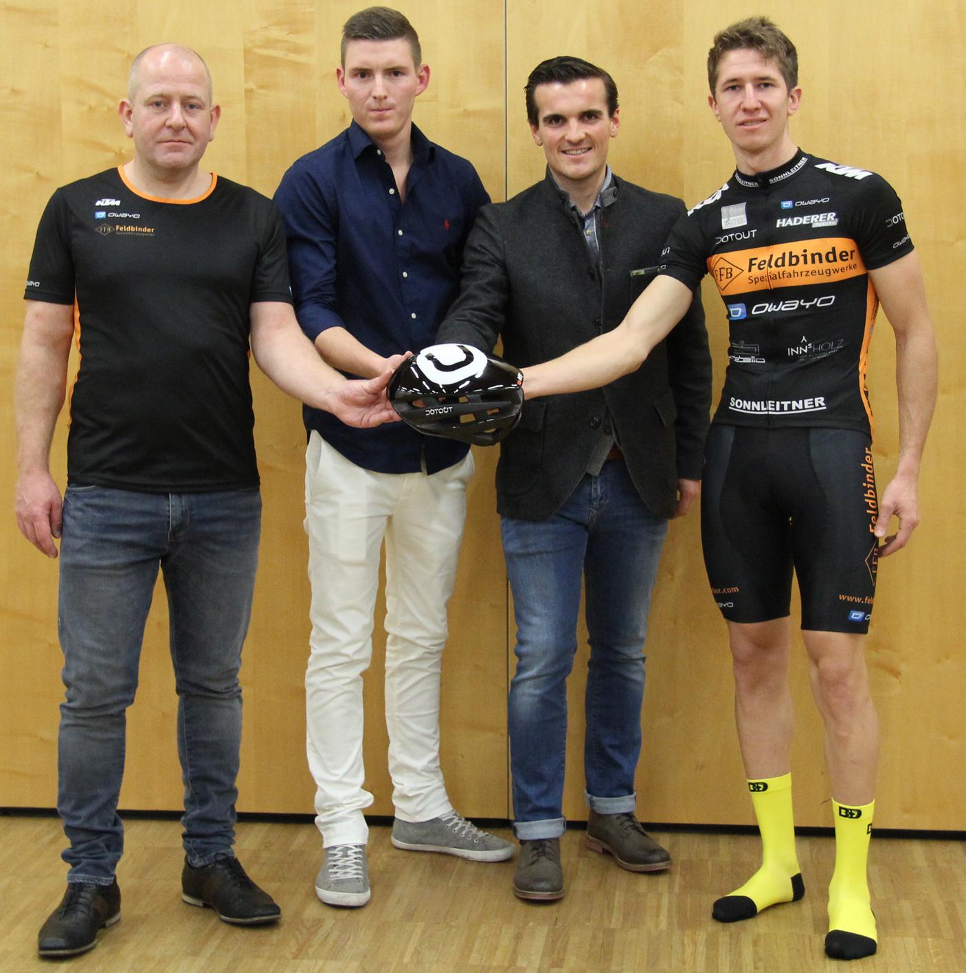 Andreas, Michael Holzinger und Andreas Etzelstorfer von Traunsteinsport, Matthias