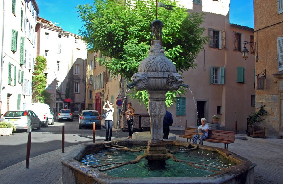 fontaine des 2 places