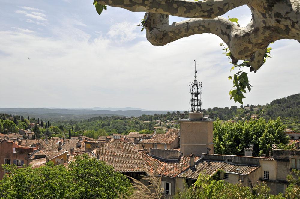 la tour de l'horloge et son campanile