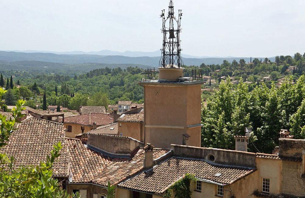 vue sur les toits et Tour de l'Horloge