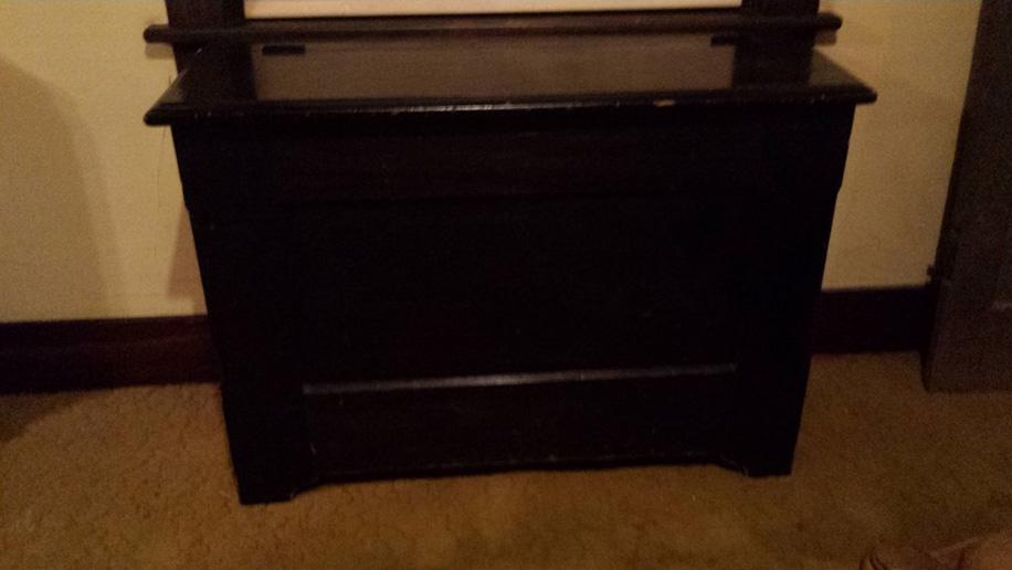 Möbel von Max Eitzenberger in Arlington: Er baute sie für den eigenen Gebrauch oder als Geschenke. Heute besitzt die Möbel seine Urenkelin Wanda.