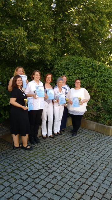 Wir sind schon ein Dreamteam Bettina Wassermann, Katharina Bauer, Barbara Strobl, Bettina Dienstbier, Rosi Brandl, Heike Rübsamen und Claudia Krämer( von links nach rechts)