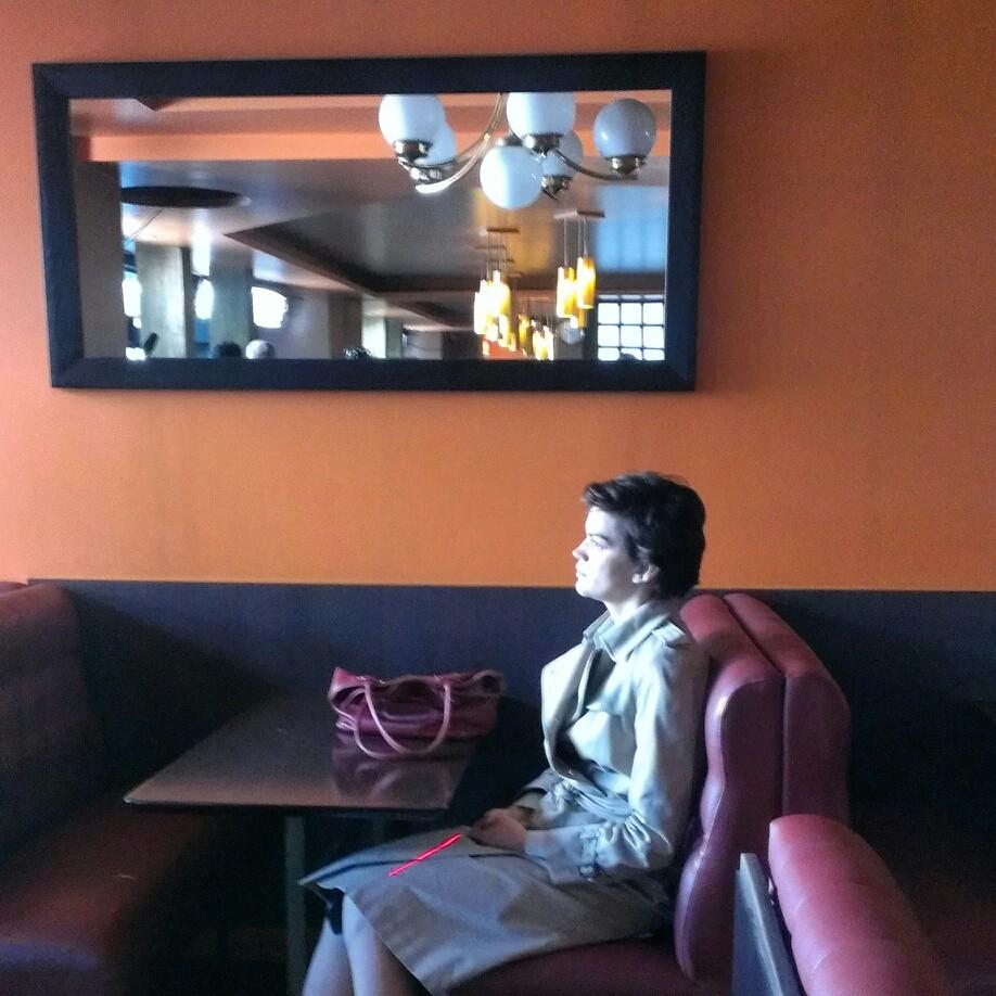 scène de bar à la Hopper