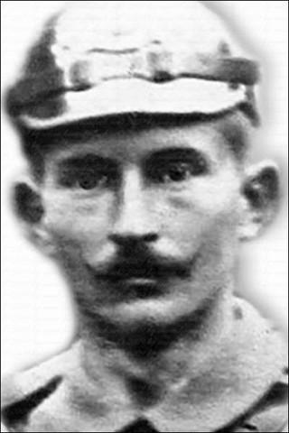 Viktoria heiratete Karl Gabriel (ca. 25 J.) um zu verbergen, dass sie von ihrem Vater ein Kind erwartete (Karl Gabriel fiel am 12.12.1914 während des 1. Weltkrieges)
