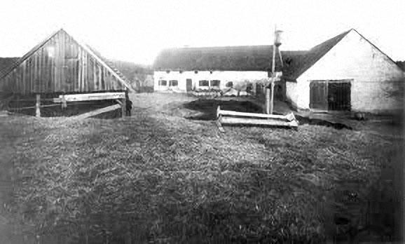 Der Hof von Hinterkaifeck wenige Tage nach der Ermordung