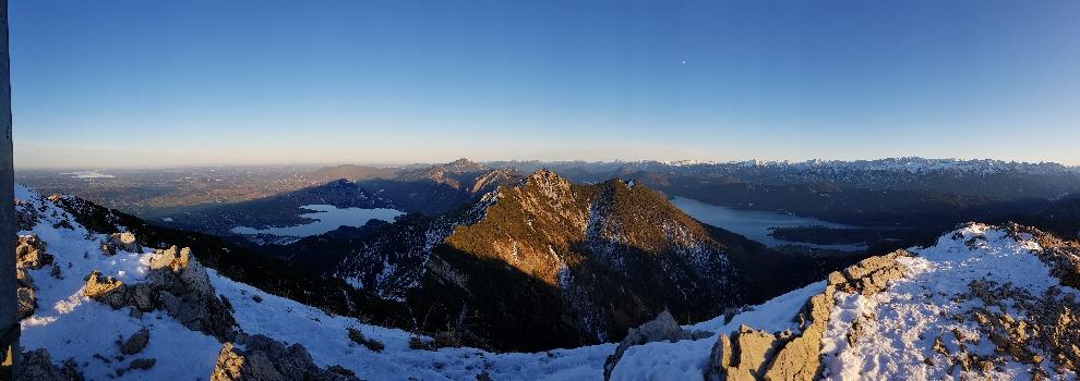 Gipfelpanorama gen Osten