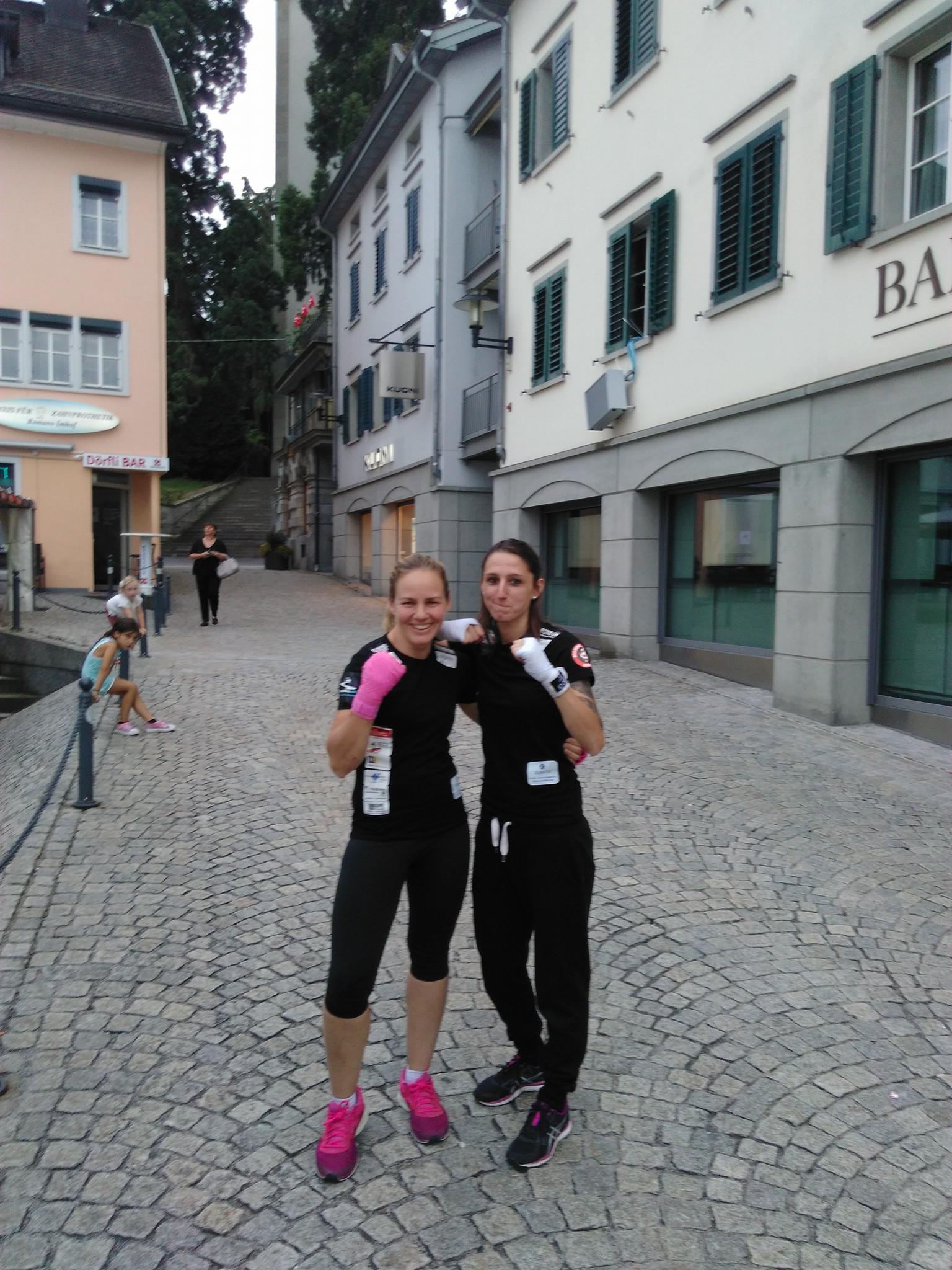 Dorfplatz Lebt Horgen 16, mit Box-Ring Zürichsee & CP Workout