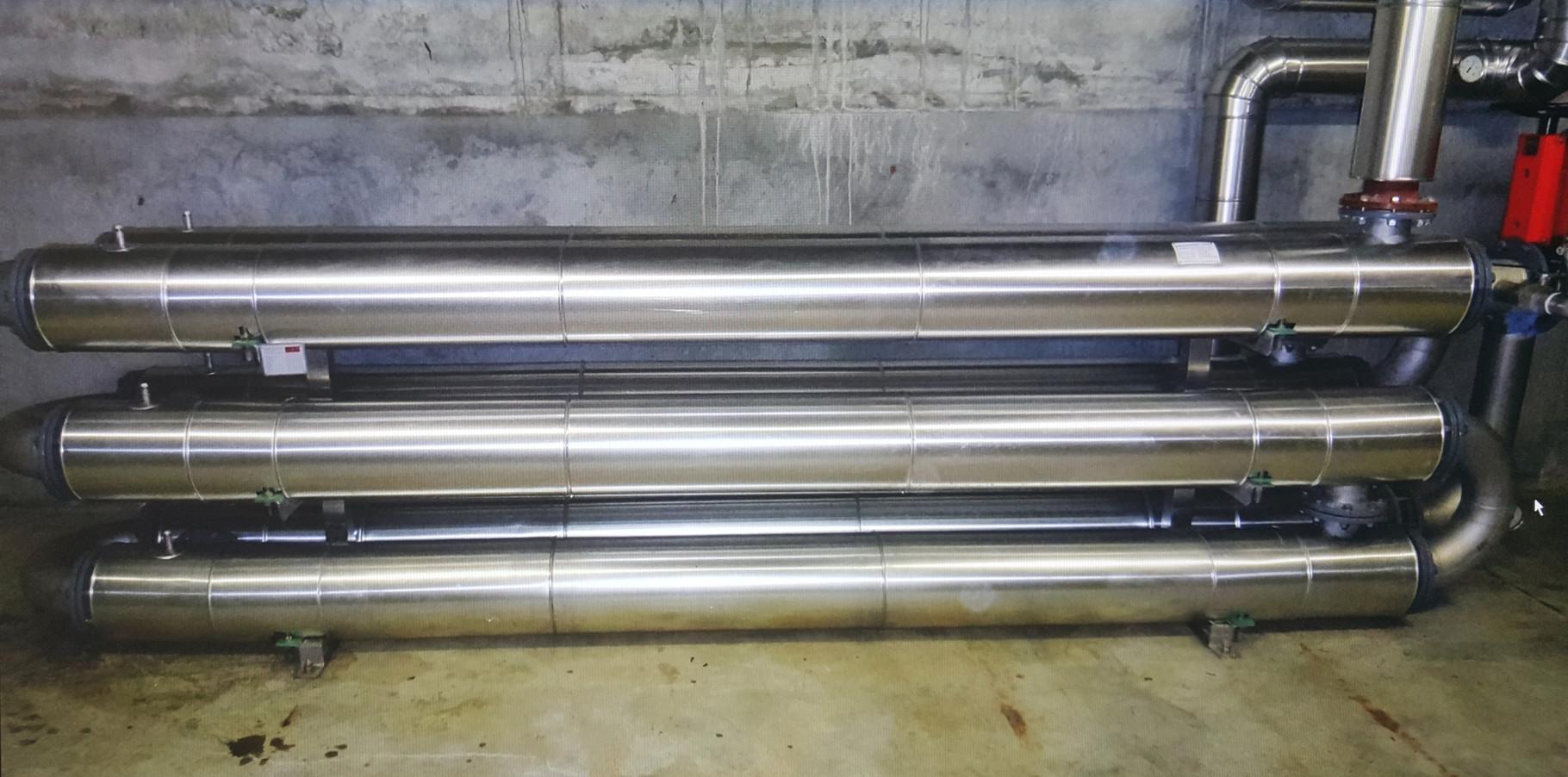 Kälteschutzdämmung an einem Plattentauscher der Wasseraufbereitungsanlage, ARA Lyss