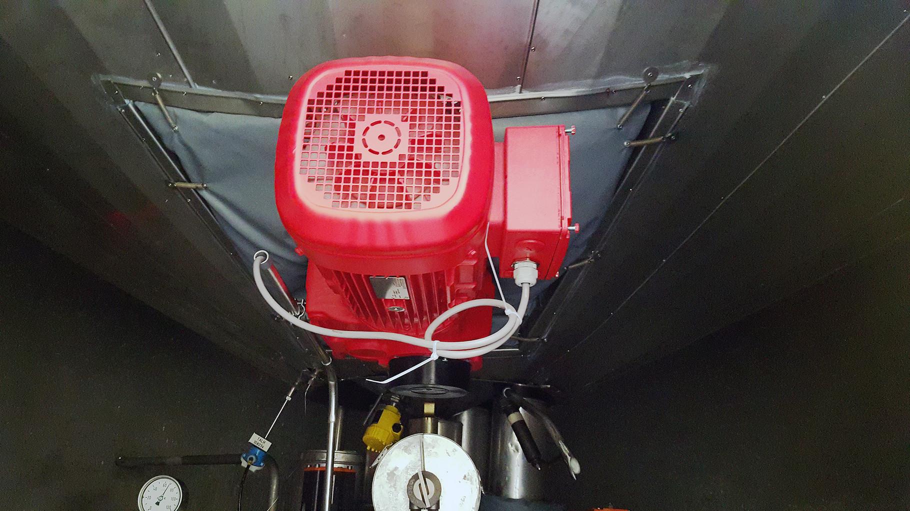 Tankrührwerk in der Lebensmittelindustrie mit Armaturenkissendämmung