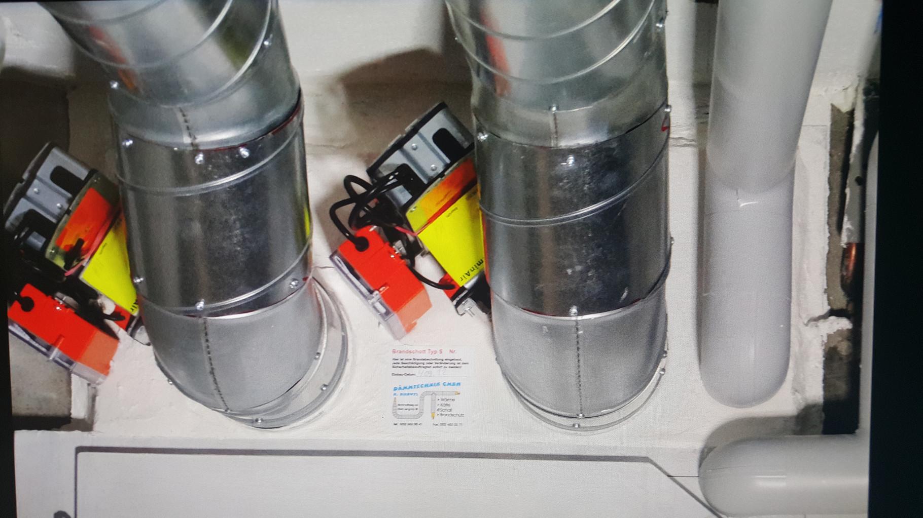 Brandschutzabschottung mit Brandschutzklappen von Lüftungsanlage