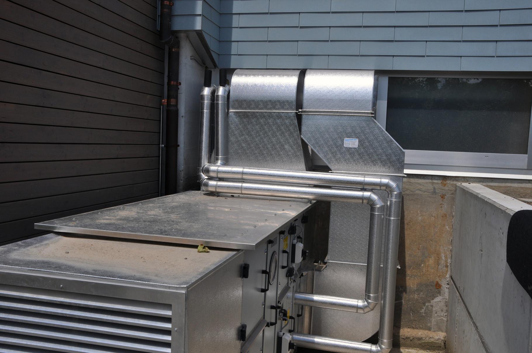 Thermische Isolation Monobloc und Lüftungsanlage mit Verkleidung