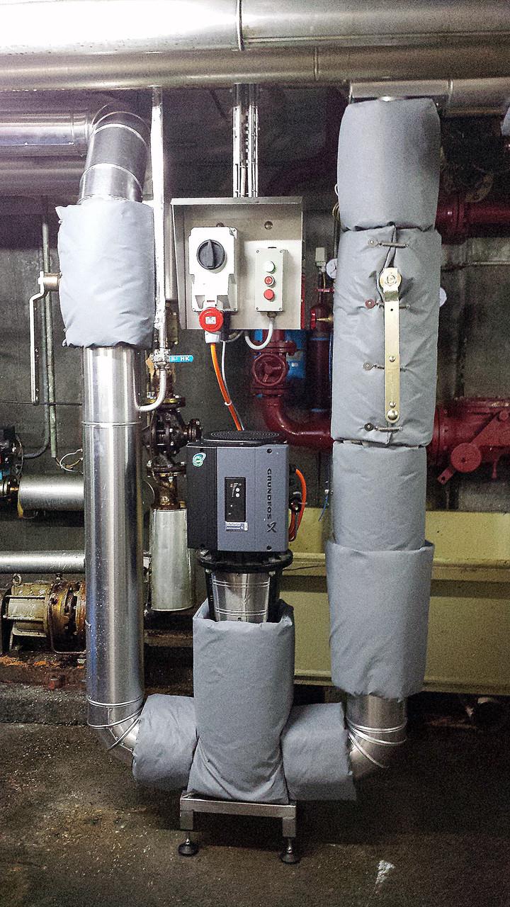 Dämmung mit Armaturenkissen an der Pumpstation