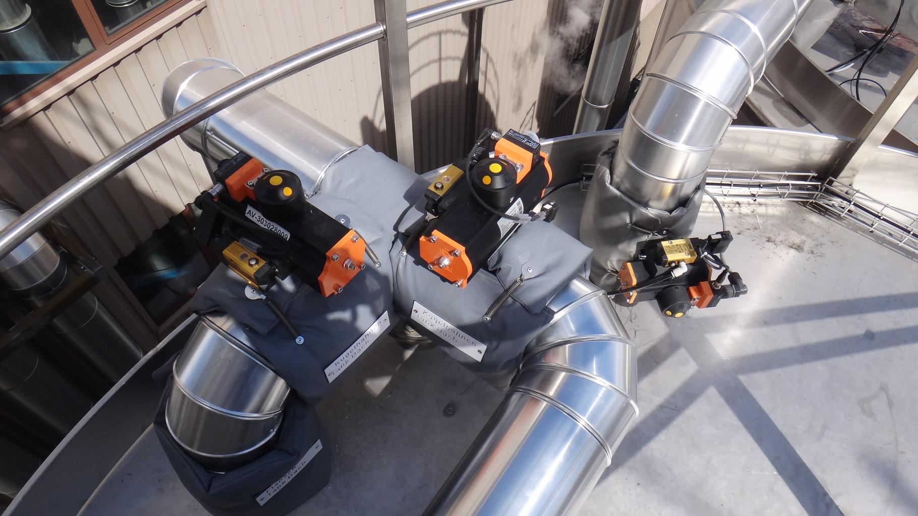 Armaturenkissen-Dämmung an der Tankbefüllung oben