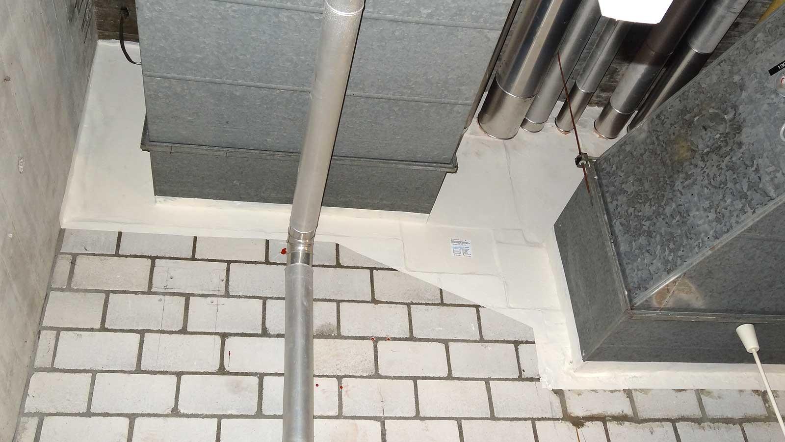 Brandschutz an Lüftungskanal und Durchdringung in der Haustechnik, Gymnasium Linde
