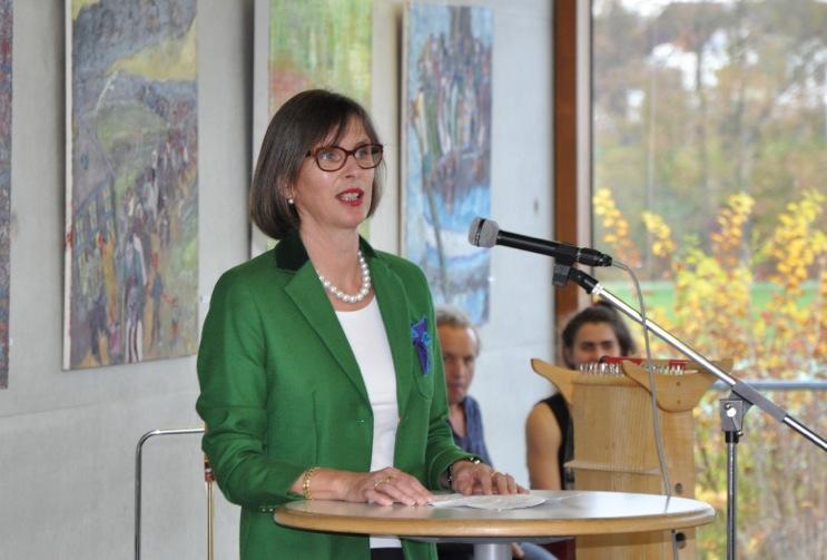 Petra Ruffing eröffnet die Ausstellung