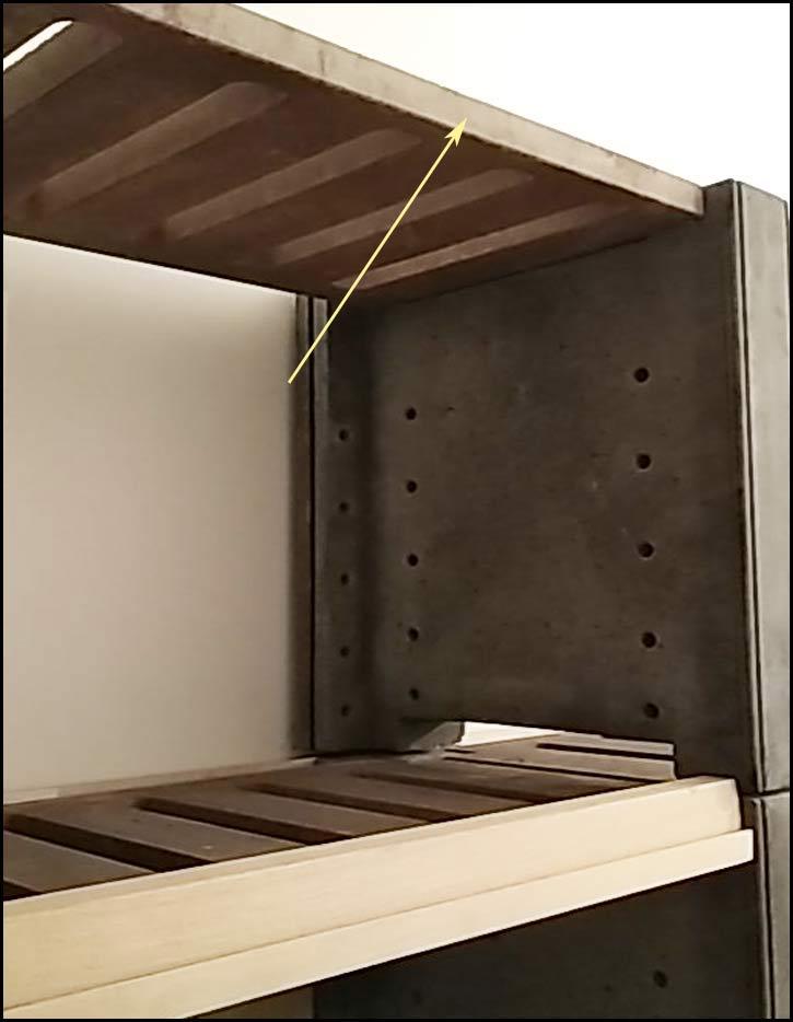 tape 15: Pour le dernier niveau d'étagères fixes (sans bandeau), placez-les à l'envers pour améliorer l'aspect esthétique
