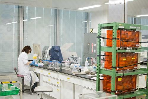 ※各種分析、評価を行える試作・評価室