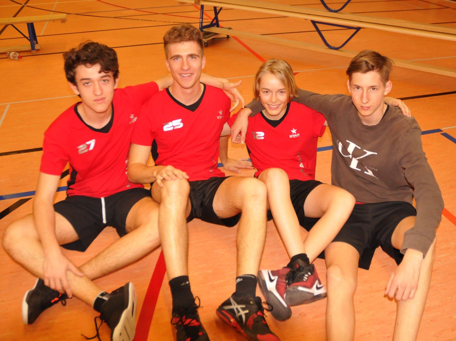 Das Siegerteam im Volleyball der der Knaben von der Kanti Glarus