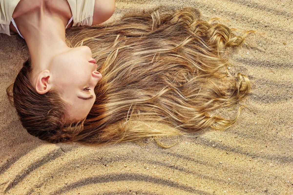 Remedios naturales para la caída del cabello en la temporada estival