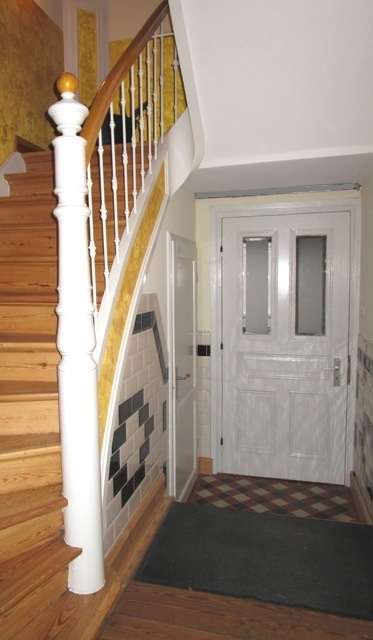 Treppenhaus I Dachgeschosswohnung Maisonette