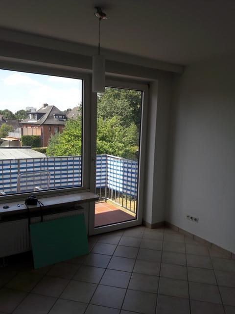 Wohn- und Schlafzimmer mit Blick auf Blankon | Vogel & Versmann Immobilien GmbH
