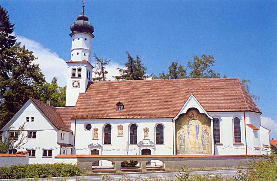 Chapelle Saint Leonhard, extérieur entouré d'une chaîne (Leonardskapelle LPH)