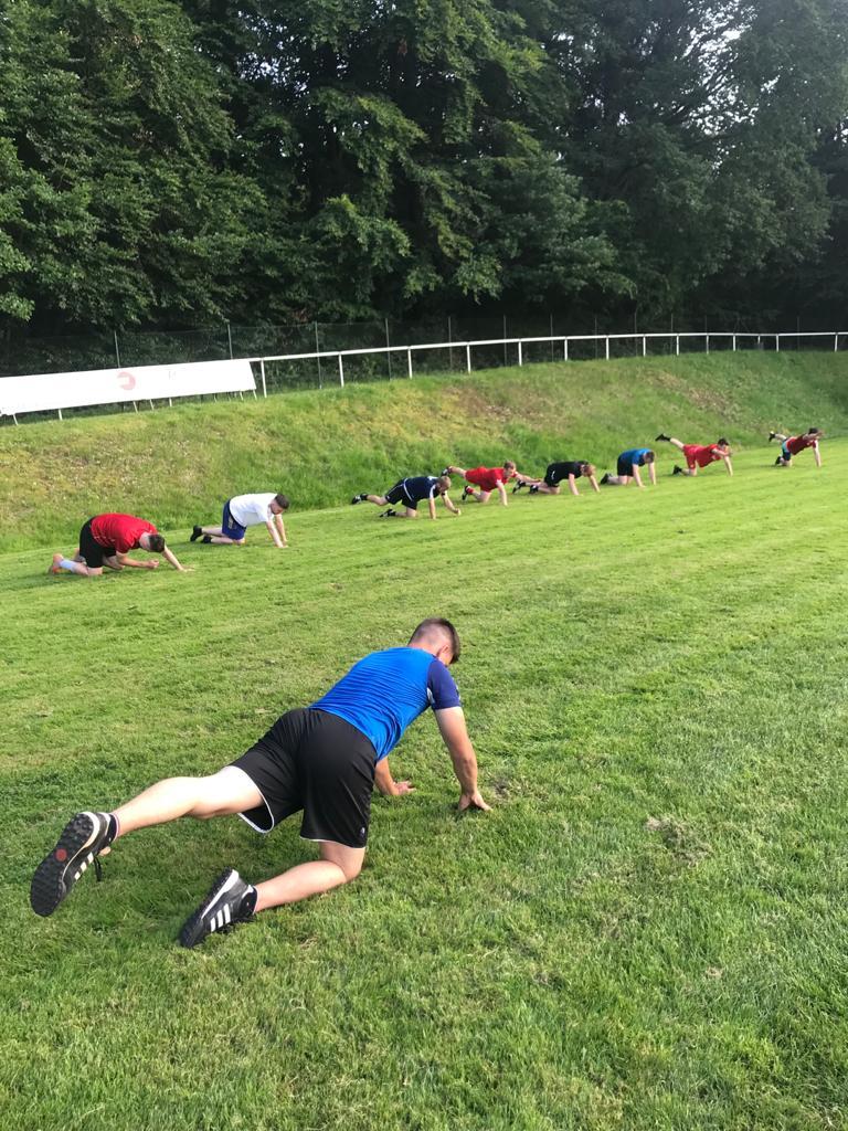 Kraft- und Stabilisationsübungen sind fester Bestandteil des Trainingsprogramms (1)
