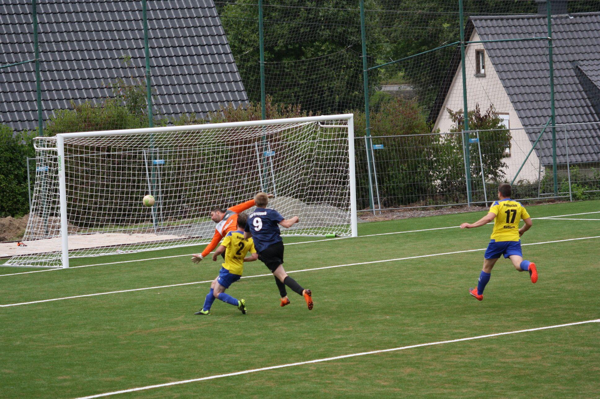 Gregor Neuß erzielt das zwischenzeitliche 3:2.