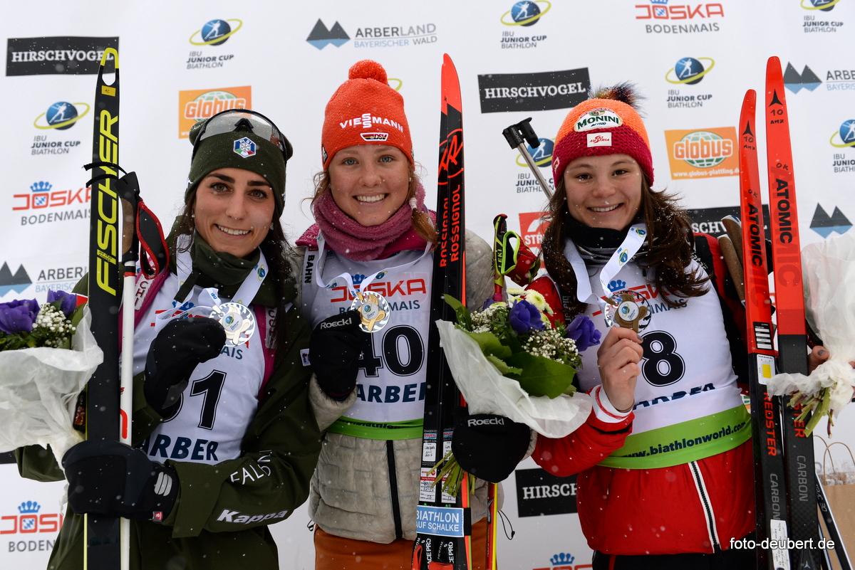 Rebecca Passler (ITA), Lisa Spark (GER), Kristina Oberthaler (AUT) - Foto: © Harald Deubert