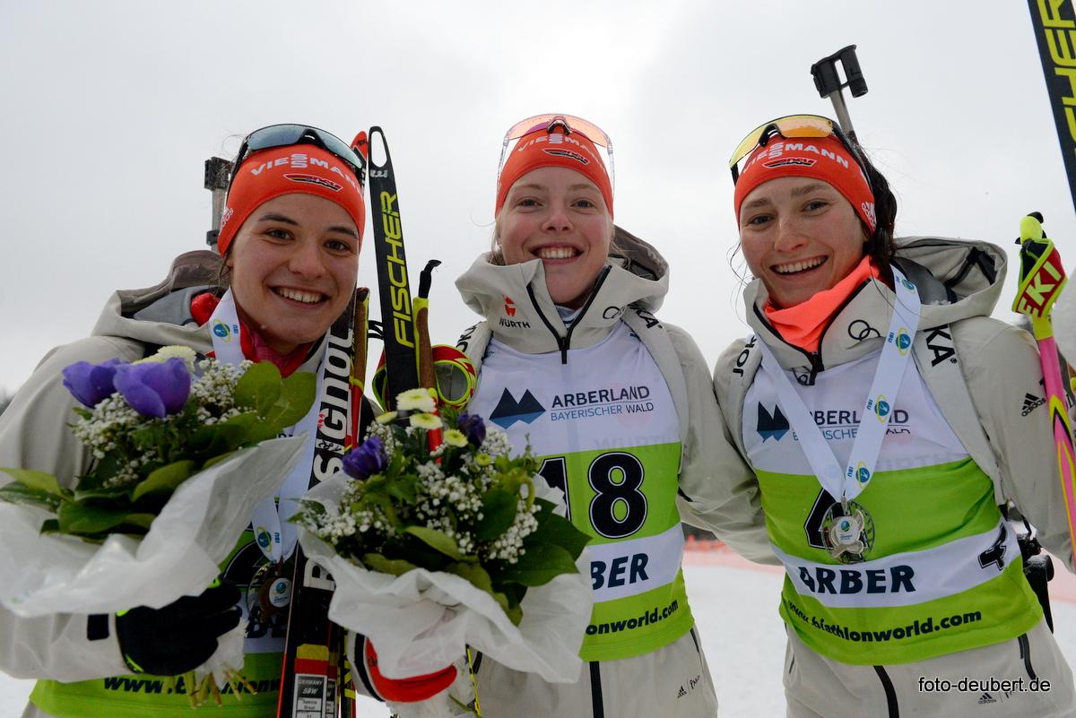 Sabrina Braun, Franziska Pfnür und Juliane Frühwirt - Foto: © Harald Deubert