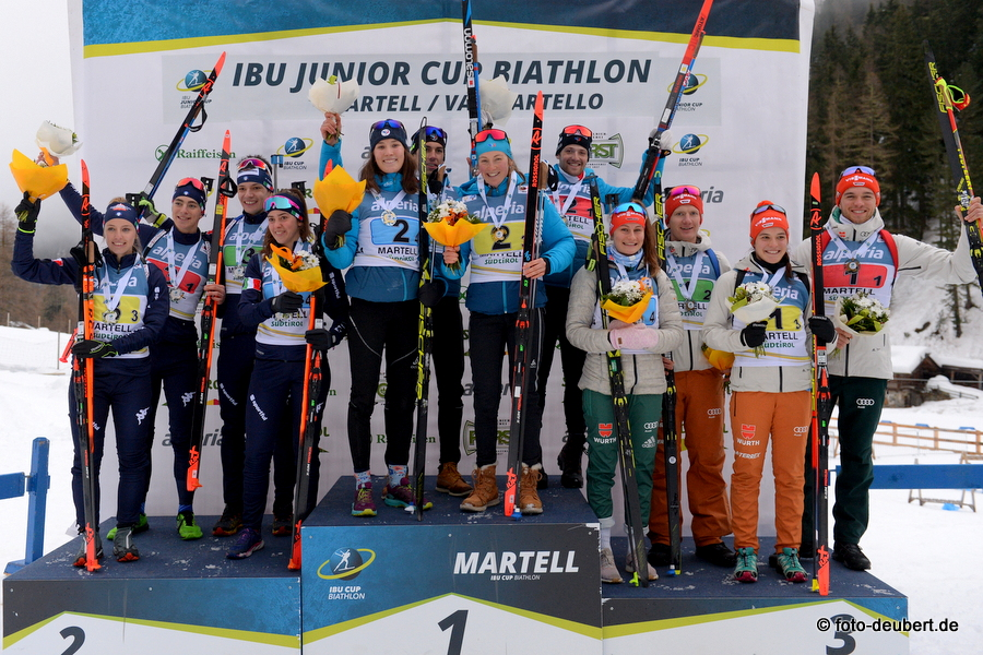 Podium Mixed Relay - Foto: © Harald Deubert