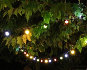 guirlande d'ampoule guinguette couleur  à louer