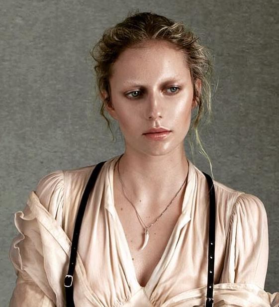 photographer: violetta koenig - stylist: adia trischler - makeup & hair: anie lamm-siu