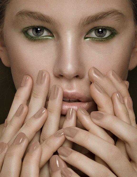 """fühlbar"" - dreaming less magazine - photographer: violetta koenig - makeup: anie lamm-siu - model: alice @tempomodels"