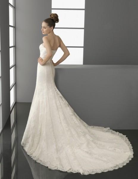 La cola del vestido es hermosa de Aire