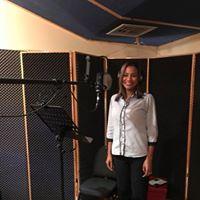 Michelle Vargas cantante  en Cántico Producciones