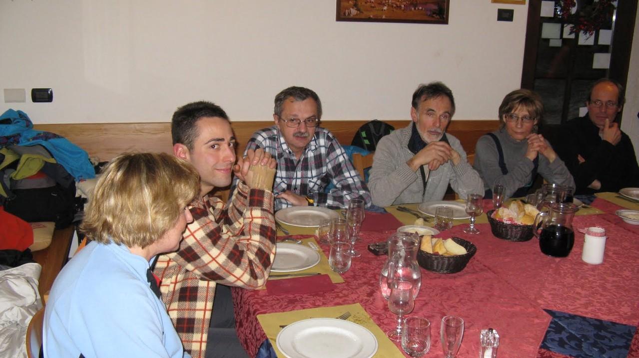 Flavia, Andrea, Gianni baffo, Vittorio, Carla e Armando