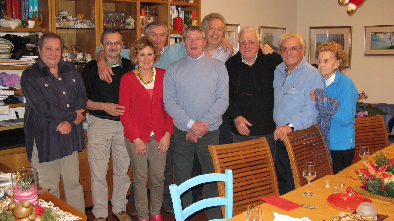 Foto di gruppo (da sinistra: Flavia, Gianni baffo, Flavia, Piero, Giorgio, Gabrio, Gianni Pizzorni, Sergio e Camilla